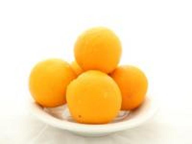 Certified Organic Oranges - Valencia - Eating