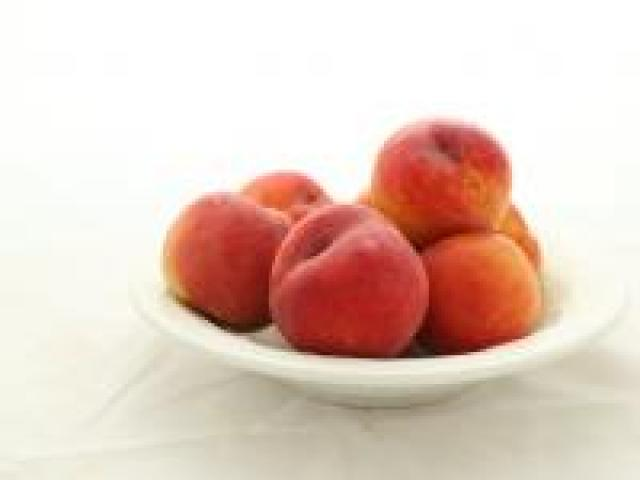 Certified Organic Peaches - Yellow