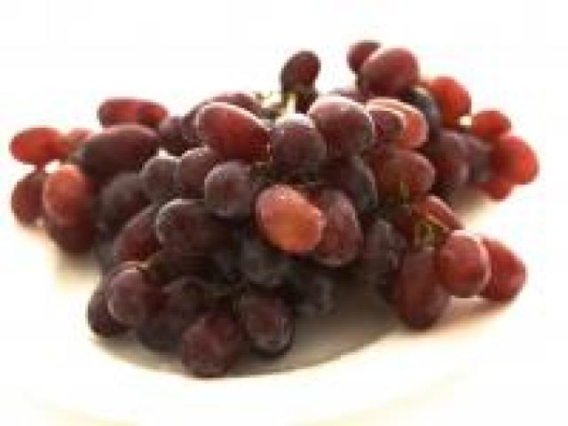 Certified Organics Grapes - Red - Seedless