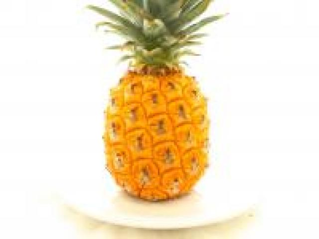 Certified Organic Pineapples - Smooth Leaf
