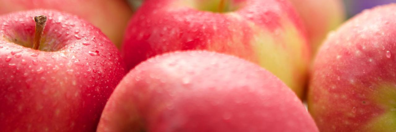 Delicious Crunchy Season Fresh Apples